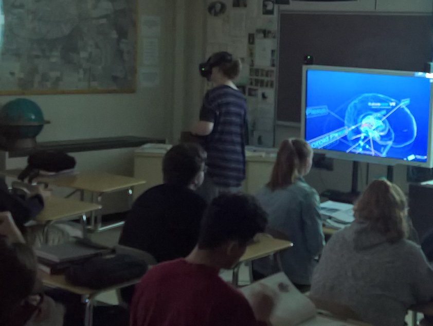 Students in School Activites (Athletics, Classrooms, Plays, Band, Art Projects) (PHS Psych Students Study the Human Brain in Virtual Reality.jpg)